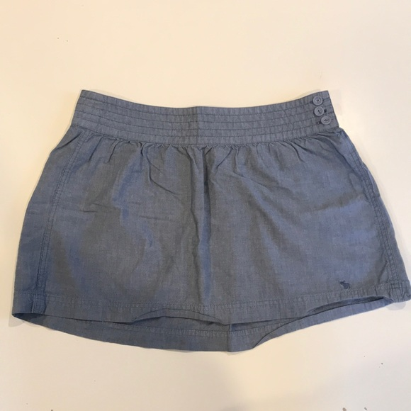 Abercrombie & Fitch Dresses & Skirts - Abercrombie & Fitch Chambray Mini Skirt (Size 6)